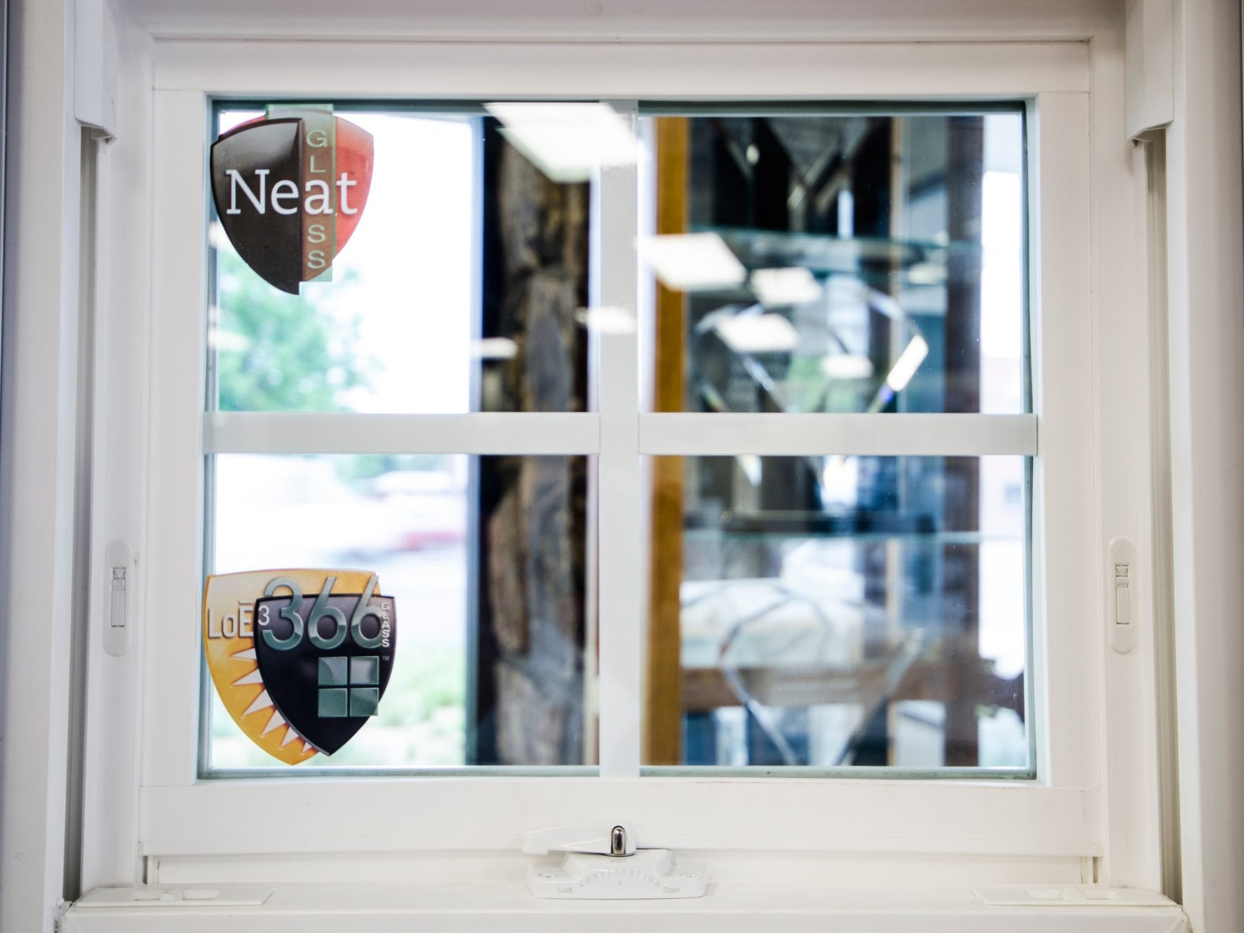 White Frame vinyl window, Difference Between Cheap Windows and High Quality Windows